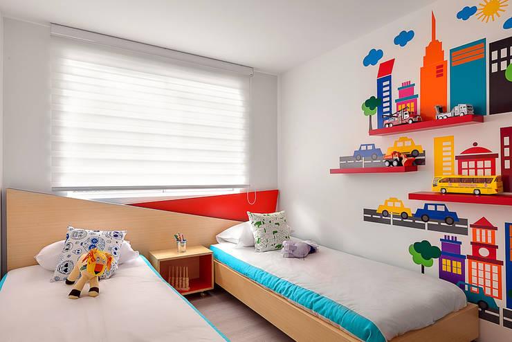 Habitación gemelos: Dormitorios de estilo  por Maria Mentira Studio