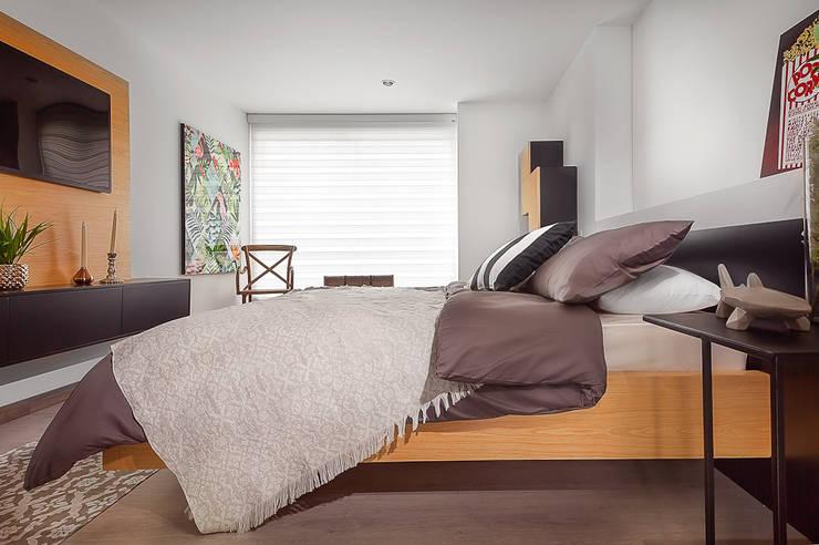 Habitacion Principal: Dormitorios de estilo  por Maria Mentira Studio