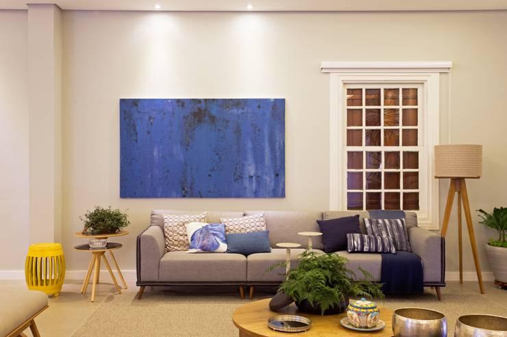 modern Living room by GP STUDIO DESIGN DE INTERIORES