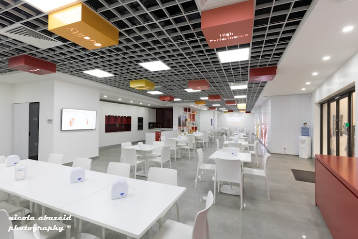 PWC Cafeteria :  Commercial Spaces by dal design office