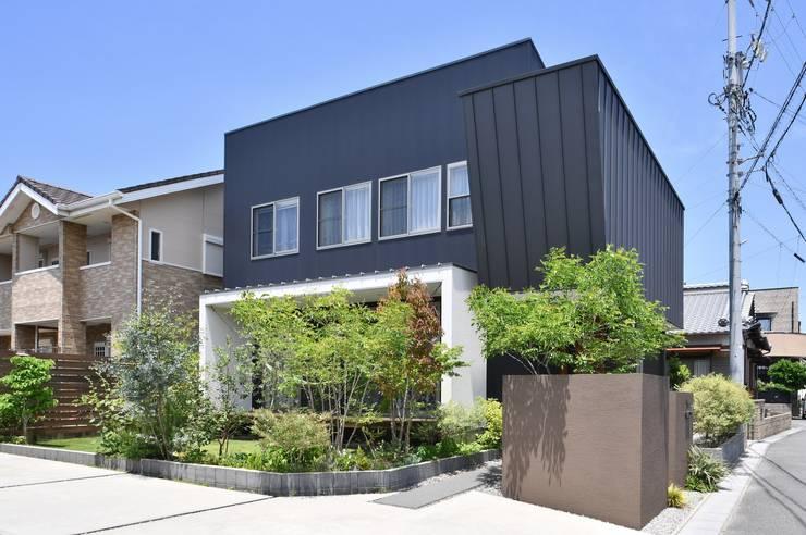 大池の家: 若山建築設計事務所が手掛けたです。