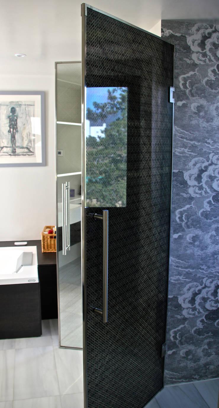 Glass doors by Alguacil & Perkoff Ltd.