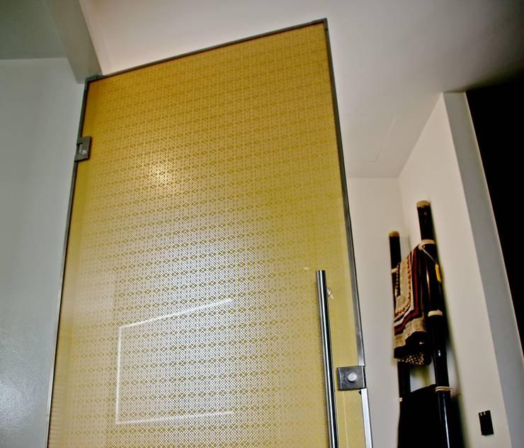 أبواب زجاجية تنفيذ Alguacil & Perkoff Ltd.