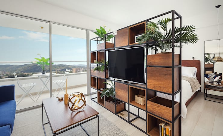 División espacio: Salas de estilo  por Maria Mentira Studio, Moderno Aglomerado