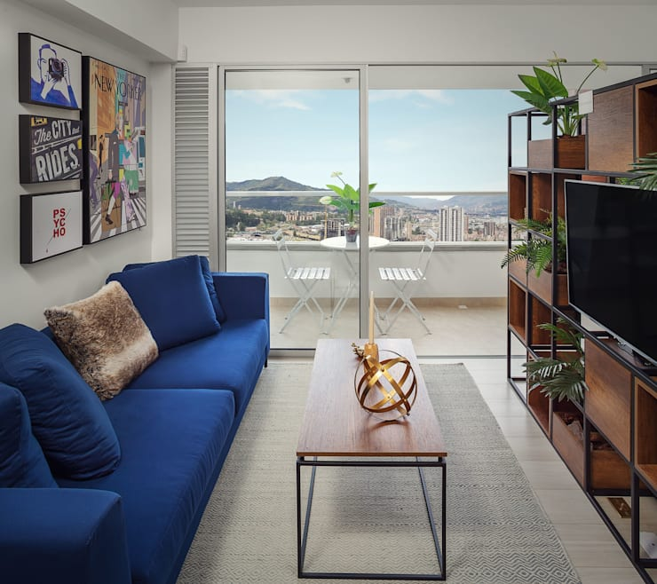 Sala: Salas de estilo  por Maria Mentira Studio, Moderno Madera Acabado en madera
