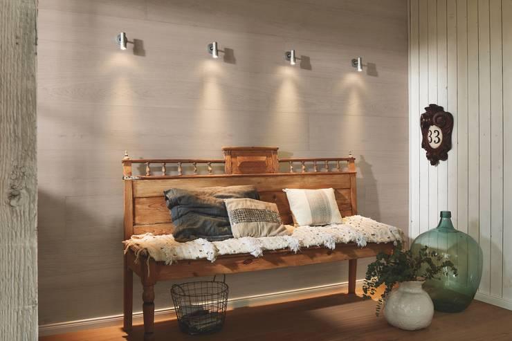 Pasillos y vestíbulos de estilo  por MeisterWerke Schulte GmbH