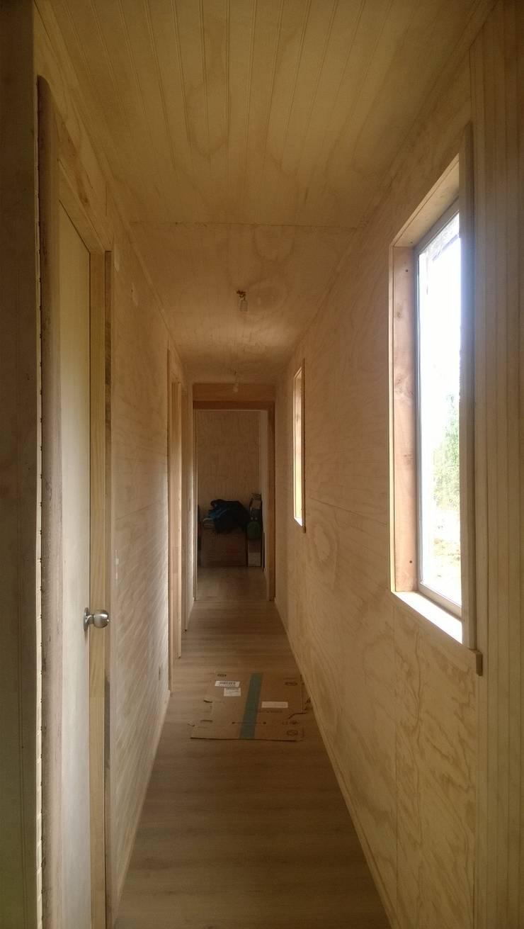 Detalles interiores: Casas unifamiliares de estilo  por C - Arq