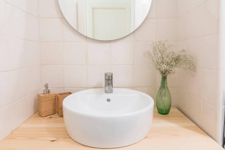 Baño: Baños de estilo  por Ópera de Domingo