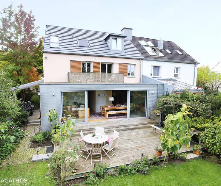 Sanierung und Erweiterung eines Einfamilienhauses in Aachen:  Häuser von Architekturbüro Sutmann,Modern