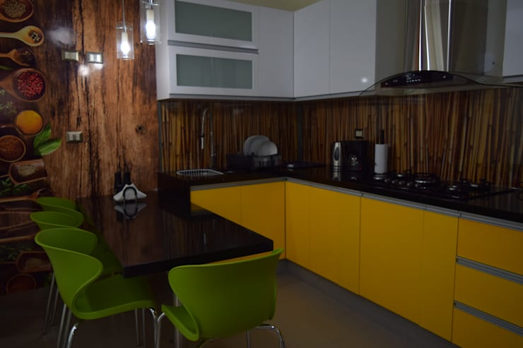 Vivienda Sachaca: Muebles de cocinas de estilo  por B+ Studio