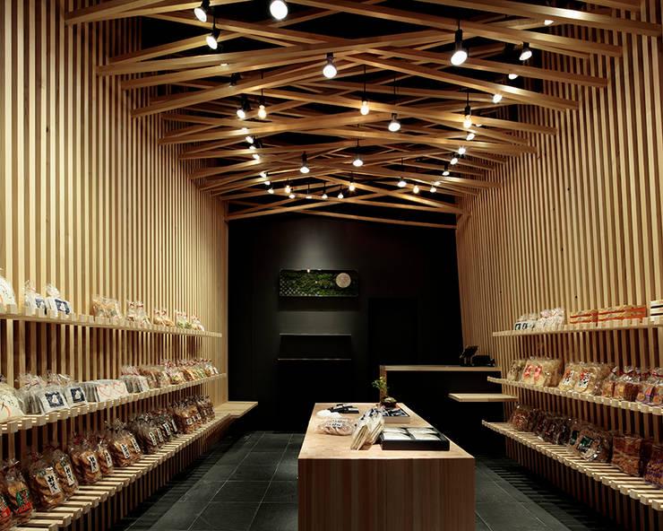 Projekty,  Powierzchnie handlowe zaprojektowane przez 稲山貴則 建築設計事務所