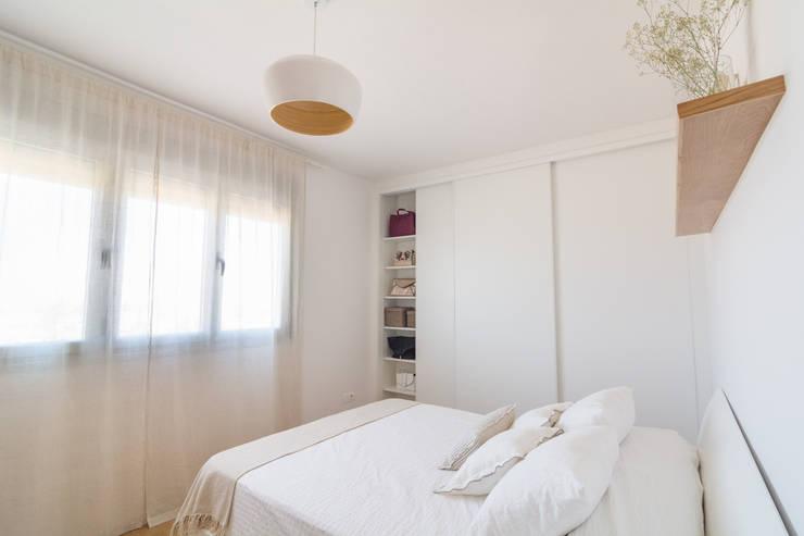 Dormitorio Principal: Habitaciones de estilo  por Ópera de Domingo