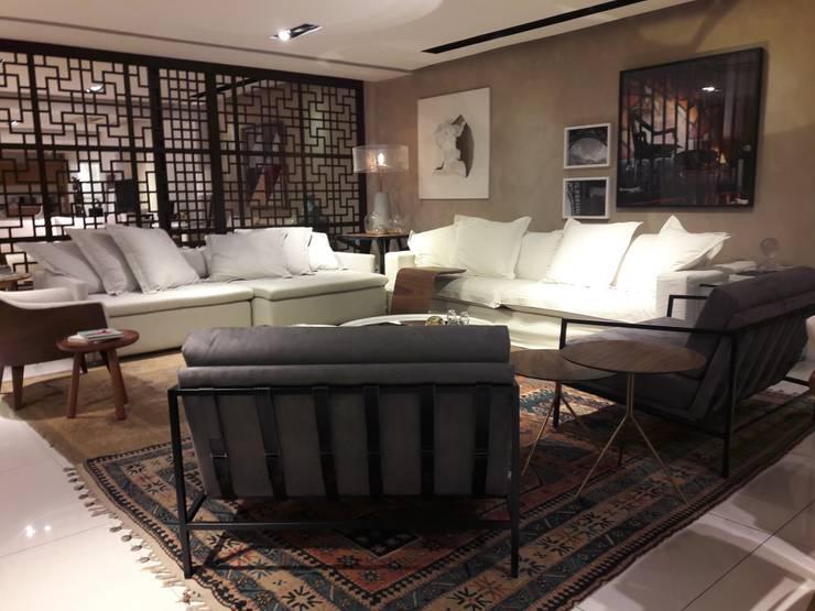 in stile  di Lucio Nocito Arquitetura e Design de Interiores