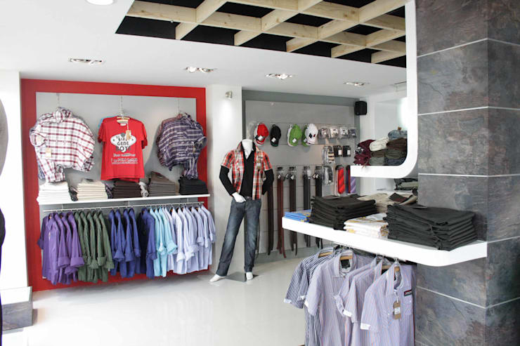 Sting Apparels Showroom:  Commercial Spaces by The Workroom