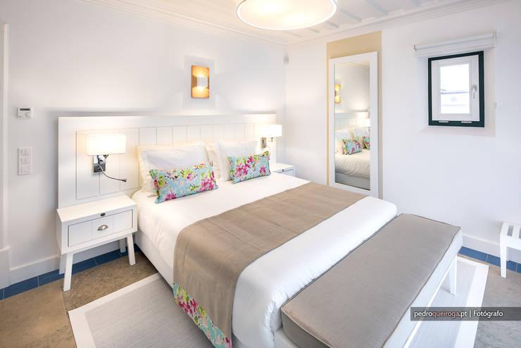 Dormitorios de estilo  de Pedro Queiroga | Fotógrafo