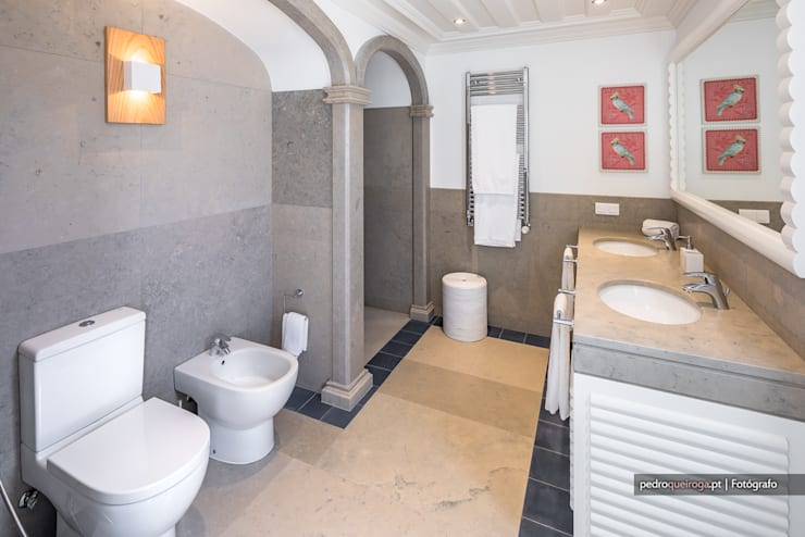 Bathroom by Pedro Queiroga | Fotógrafo