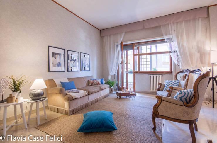HOME STAGING in zona Talenti – CASA IN VENDITA: Soggiorno in stile  di Flavia Case Felici