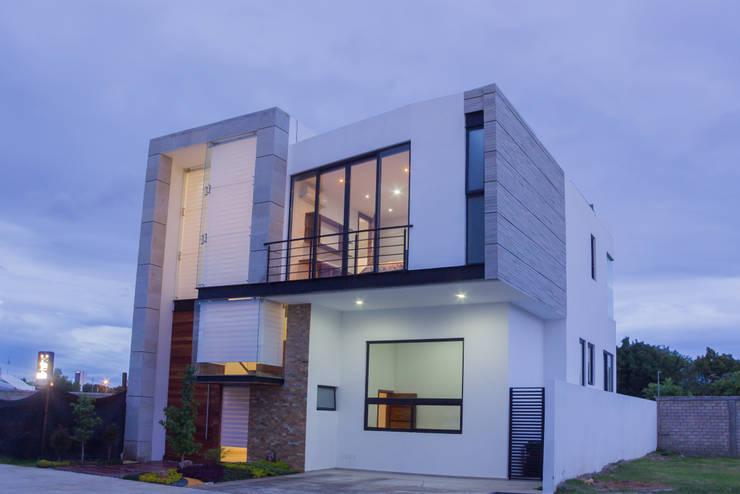 RECORRIDO VIRTUAL Y SESIÓN FOTOGRÁFICA - LA TOSCANA - : Casas de estilo moderno por ECKEN virtual spaces