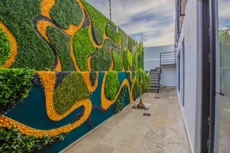 RECORRIDO VIRTUAL Y SESIÓN FOTOGRÁFICA - LA TOSCANA - : Terrazas de estilo  por ECKEN virtual spaces