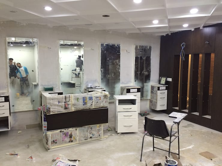 ceiling colour change: modern  by Square Designs,Modern