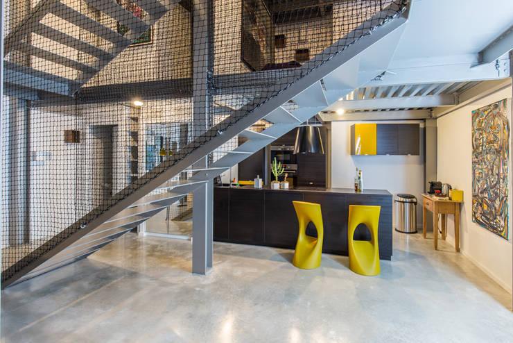 HRT: Cuisine de style  par Brengues Le Pavec architectes