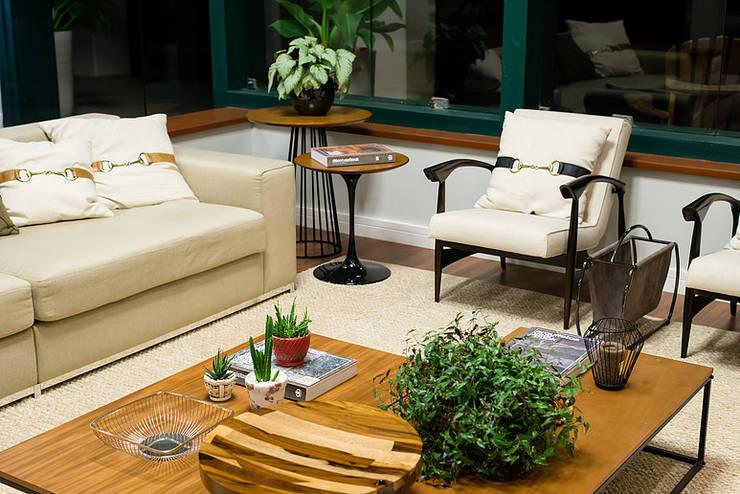 Salas de estilo  por GP STUDIO DESIGN DE INTERIORES