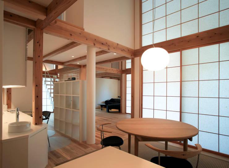 Ruang Makan by 髙岡建築研究室
