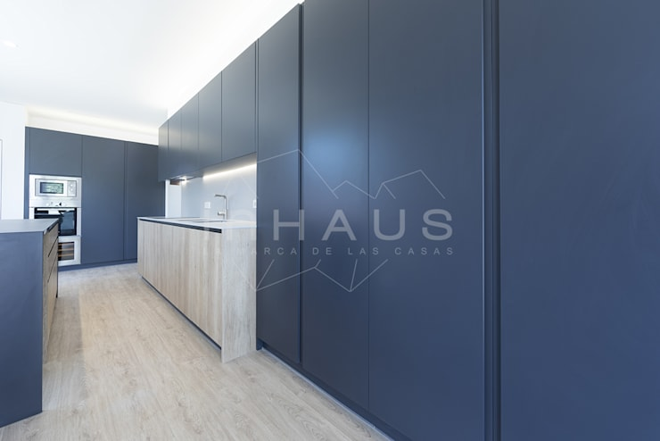 Kitchen by Casas inHAUS, Modern