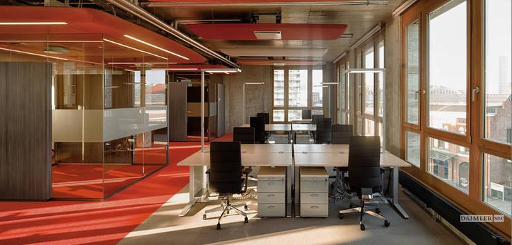 Edificios de Oficinas de estilo  por Andreas Weber Design