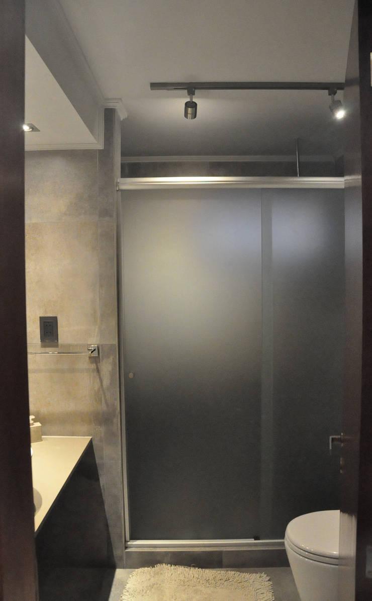 Remodelación baño y vestidor : Baños de estilo  por Borio Arquitectura y Diseño,
