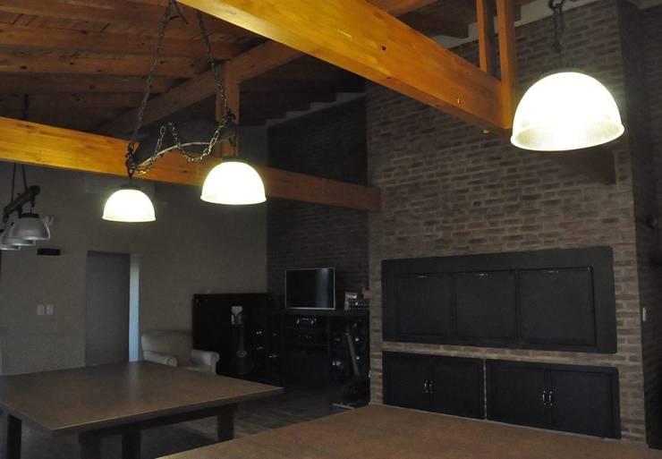 Ampliación y Remodelación | Casa M&M:  de estilo  por Borio Arquitectura y Diseño