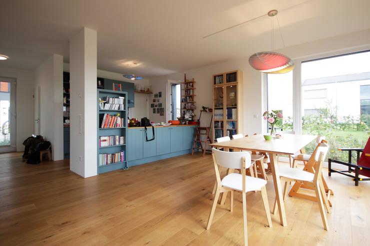 Projekty,  Salon zaprojektowane przez ARCHITEKTEN BRÜNING REIN