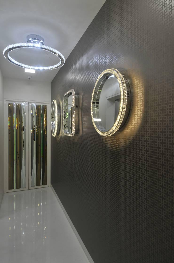 Corridor & hallway by Mybeautifulife