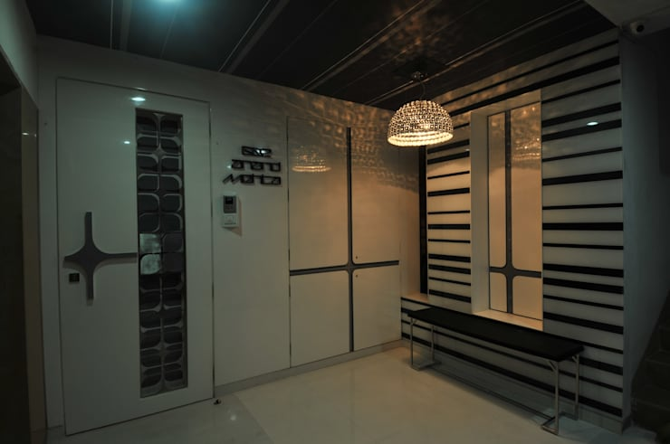 Site at Vile Parle:  Front doors by Mybeautifulife