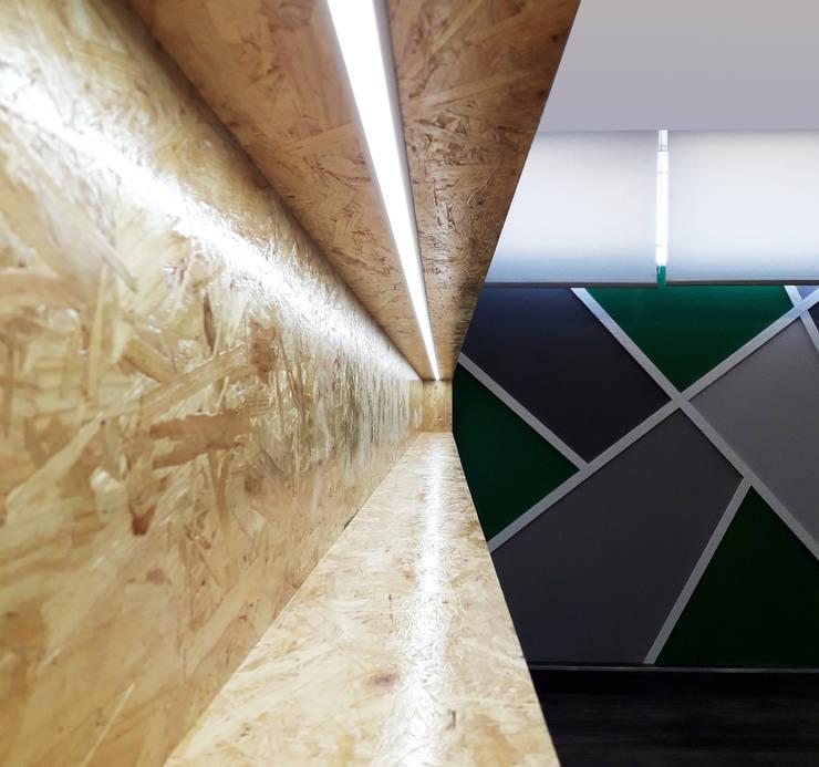 Modern bars & clubs by Linha D´Obra - construção e remodelação de interiores, Lda Modern OSB