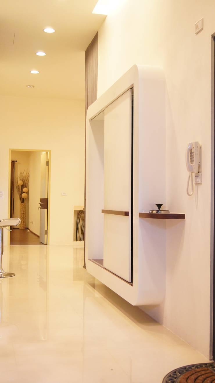 07:  走廊 & 玄關 by 欣成室內裝修設計股份有限公司,