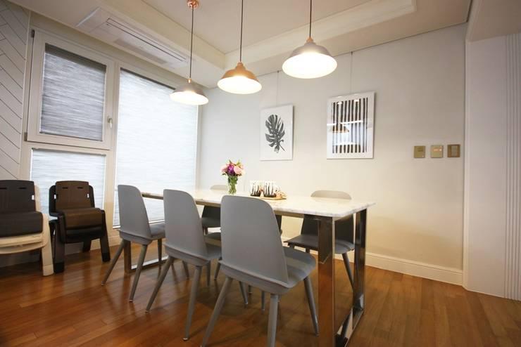 일산 49평 프렌치모던 홈스타일링: homelatte의  주방,모던