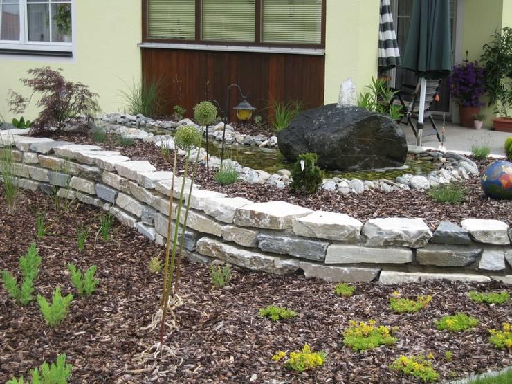 Projekty,  Ogród zaprojektowane przez Garten-Landschaftsbau Hierreth-Felser GmbH