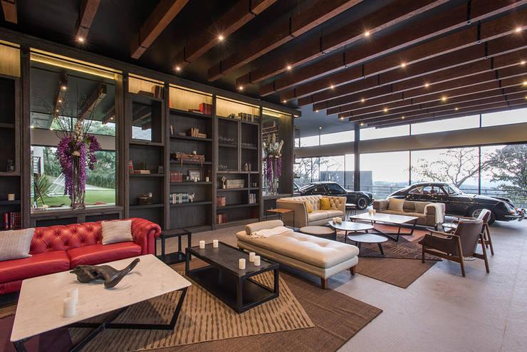 Real de Valle - Sobrado + Ugalde Arquitectos: Salas de estilo  por Sobrado + Ugalde Arquitectos