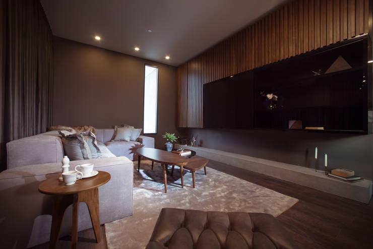 CANTAGIRONE TREPIU: Salas de estilo  por Munera y Molina