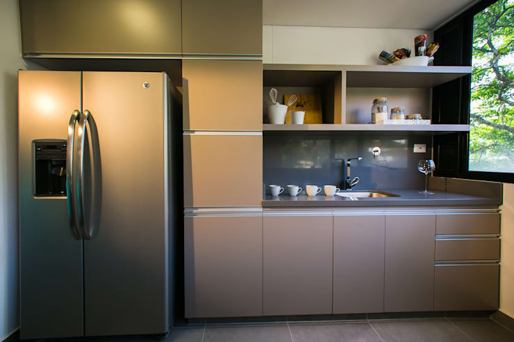 Built-in kitchens by Munera y Molina