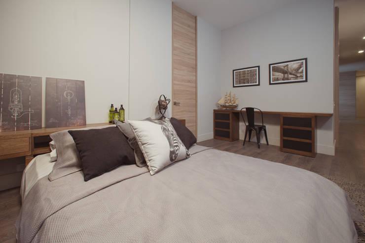 CANTAGIRONE TREPIU: Habitaciones de estilo moderno por Munera y Molina