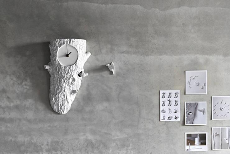 Tree Cuckoo Clock: modern  by Spacio Collections,Modern Wood Wood effect