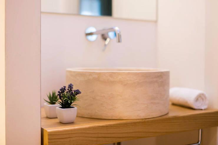 Bagno Stile Naturale : Bagni in pietra: rivestimento naturale con fascino ed eleganza