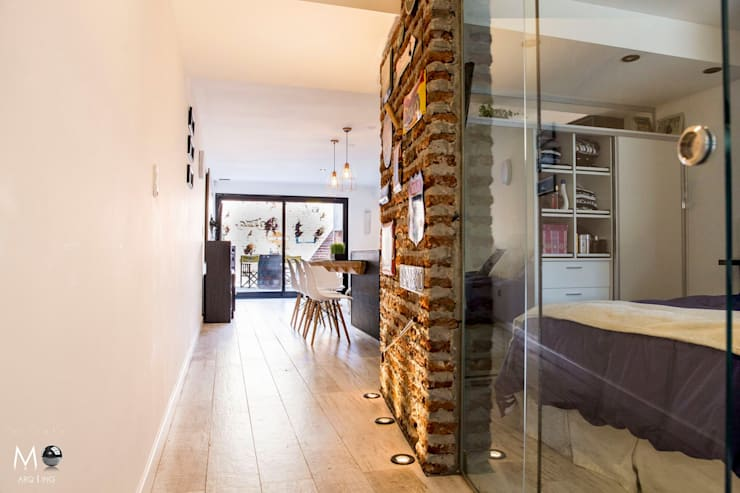 MONOAMBIENTE VF: Pasillos y recibidores de estilo  por estudio  M,Moderno