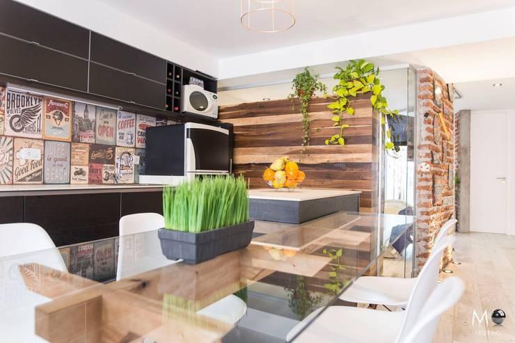 MONOAMBIENTE VF: Cocinas de estilo  por estudio  M,Moderno