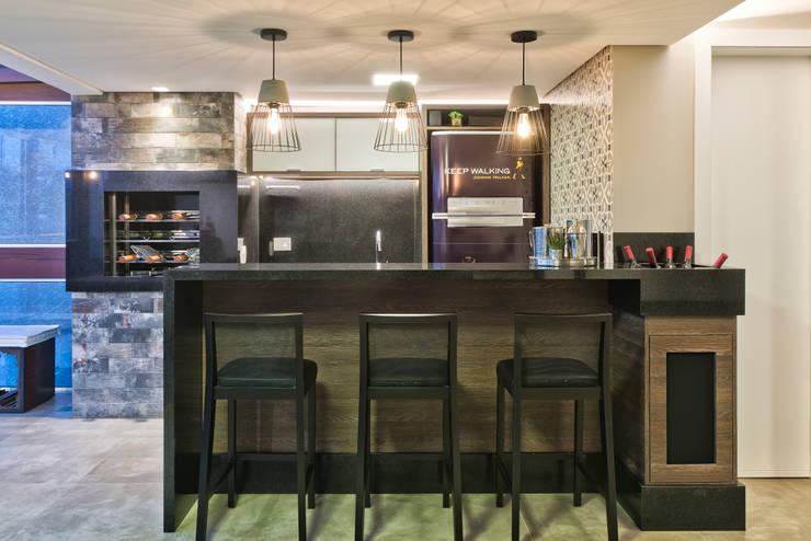 Muebles de cocinas de estilo  por Ana Crivellaro