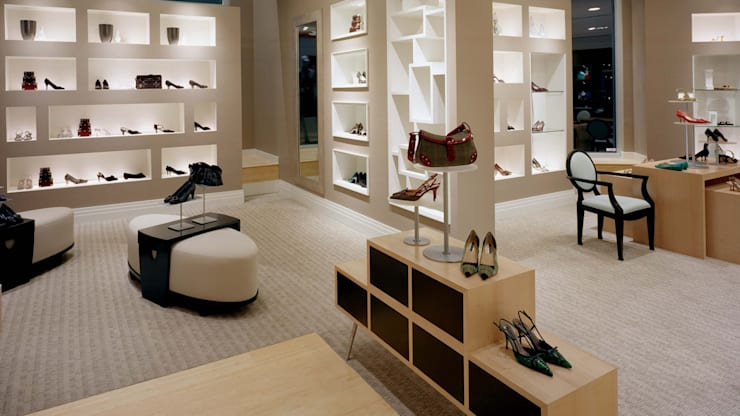 Shoe store in Pune: modern Study/office by The Sasha Interiology