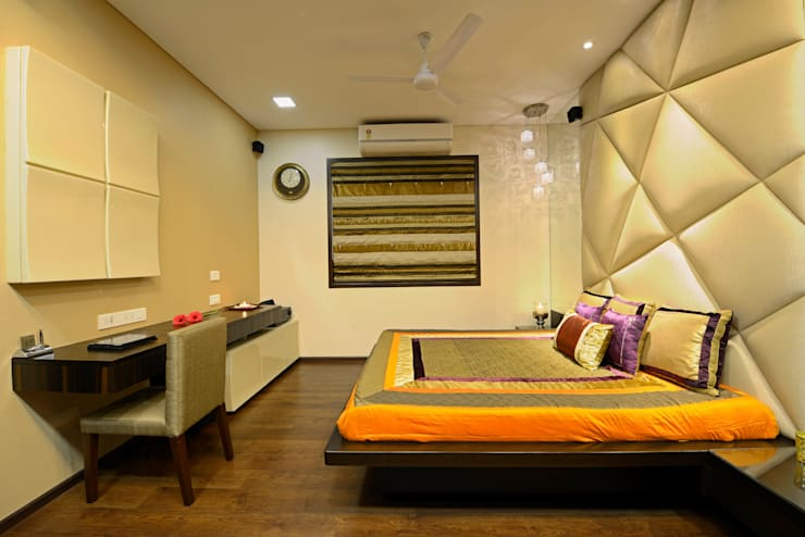 Matunga Apartment:  Bedroom by Fourth Axis Designs