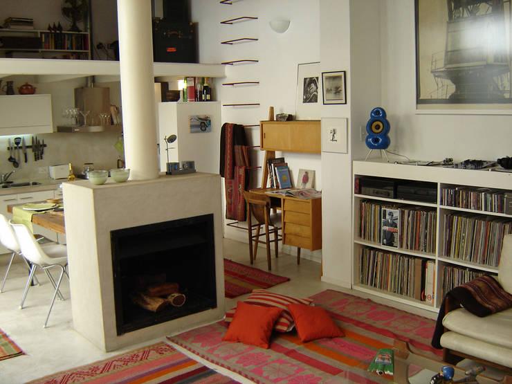 Home PH: Livings de estilo  por Paula Mariasch - Juana Grichener - Iris Grosserohde Arquitectura,